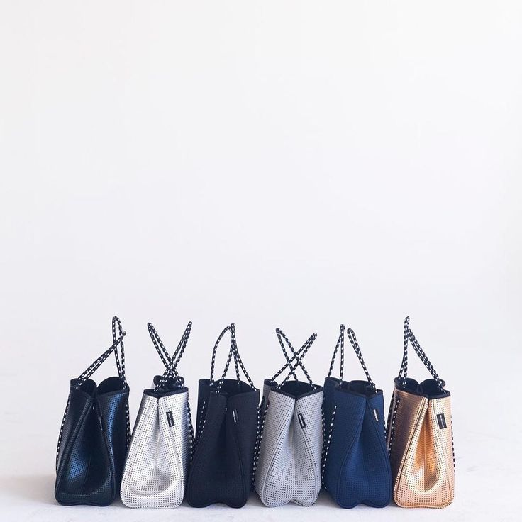 What colour will you choose? Gold, Black, Navy, Grey and Metallic Black Prene Bags all available in our online store now. #fitnessfashion #gymbag #activewear #neoprene #prenebags #livaktiv