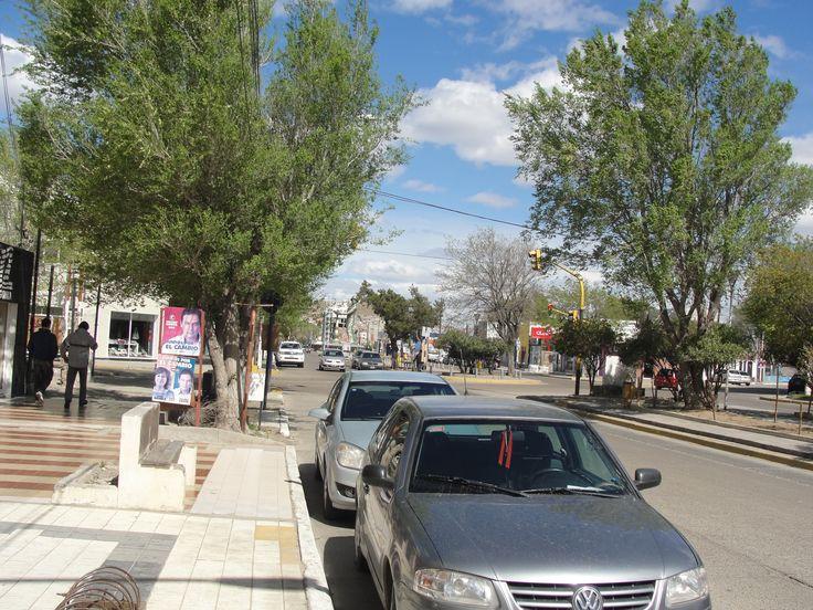 Las calles de Caleta Olivia en Santa Cruz con mucho viento pero creciendo....