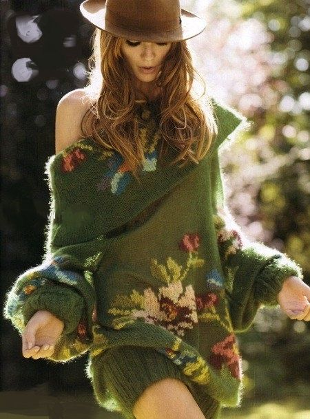 La mode SURDIMENSIONNÉS KNIT DRESS issus de fils - laine, mohair et acrylique.  Cette robe est parfaitement correspondre à nimporte quel type de