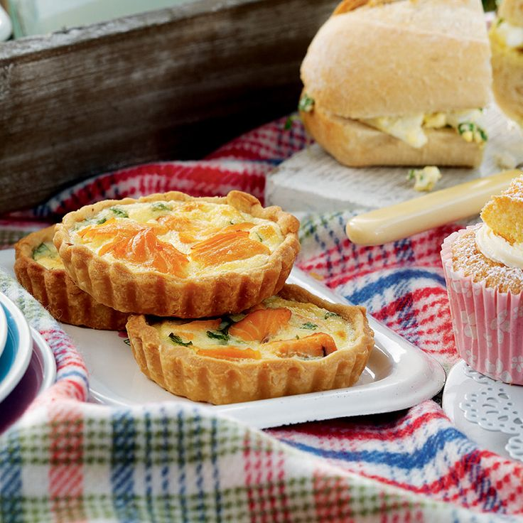These scrumptious salmon tarts are perfect for summer family outings and picnics! Make a few during the week so you can grab some for last-minute trips at the weekend