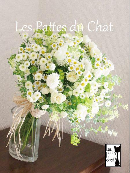 ウェディング フラワー セレクト ショップ ~レ・パデュシャ~(Wedding Flower Select shop ~Les Pattes du Chat~)... ナチュラルテイストのクラッチブーケ