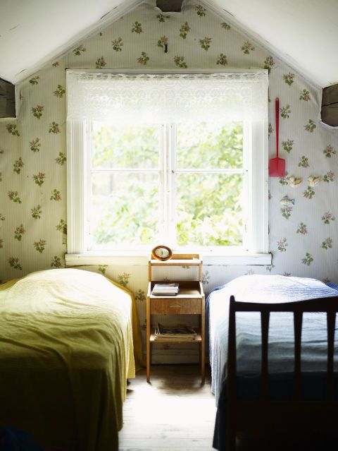 10 vintage bedroom accessories we want to bring back