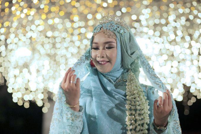 Putra & Arum by LAKSMI - Kebaya Muslimah & Islamic Wedding Service - 008