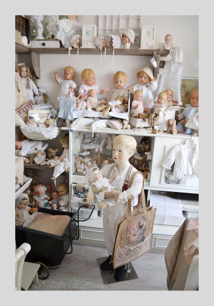 Een poppenkamer vol