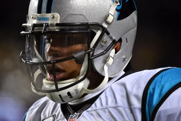 Carolina Panthers quarterback Cam Newton underwent surgery to repair a partially torn rotator cuff in his right shoulder on Thursday.