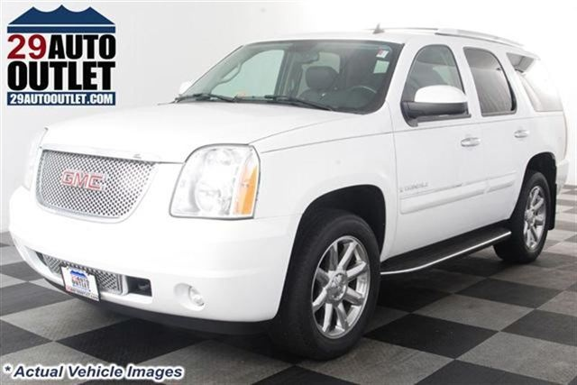 2007 GMC Yukon Denali AWD * SUNROOF * NAVI (Stock# T1273)