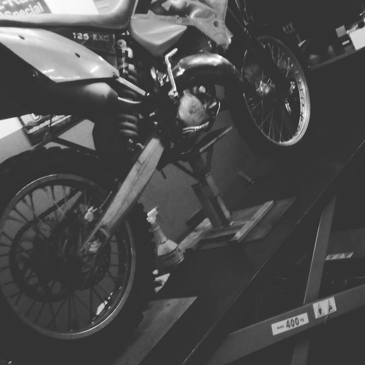 Most girls like diamonds and pearls but all I'd like is a motocycle. #ktm #exc #125 #my #baby #mxgirl #mxlove #mx #mxgp #enduro #motocross #mx #3 #soon #some #new #things #love #like #ride #mechanic #old #but #gold #moto