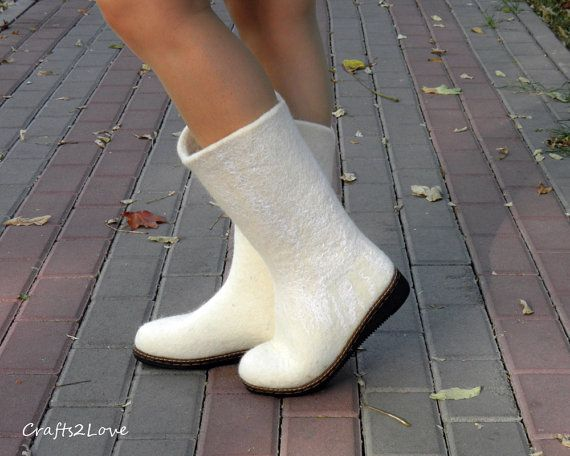 White wedding boots, felted winter wedding boots. Wet felted boots, outdoor, women. Made to order in your size!