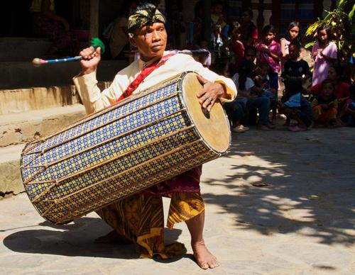 Gendang Beleq Traditional Dance~Rambitan Village  Bymikaku