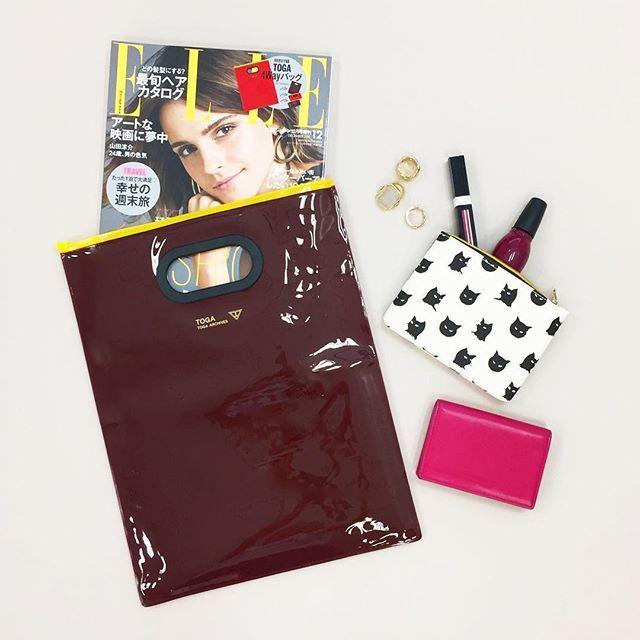 明日10月28日(土)発売 エマワトソンが目印のエルジャポン12月号特別版には人気ブランドトーガの4wayバッグがついてくる 雑誌もすっぽり入るサイズなのでデイリーにはもちろん学校や職場でも重宝しそうもちろんリバーシブルです ぜひCHECKしてね . #ellejapan #magazine #emmawatson #toga #bag via ELLE GIRL JAPAN MAGAZINE OFFICIAL INSTAGRAM - Celebrity  Fashion  Haute Couture  Advertising  Culture  Beauty  Editorial Photography  Magazine Covers  Supermodels  Runway Models