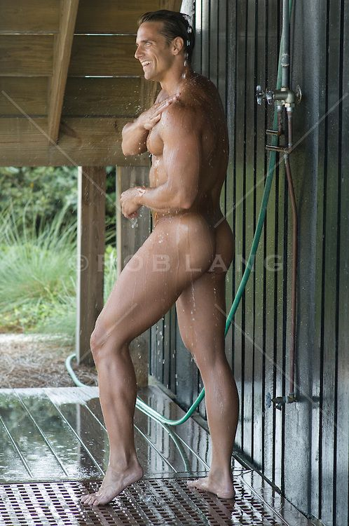 play-games-hot-sexy-men-showering-naked