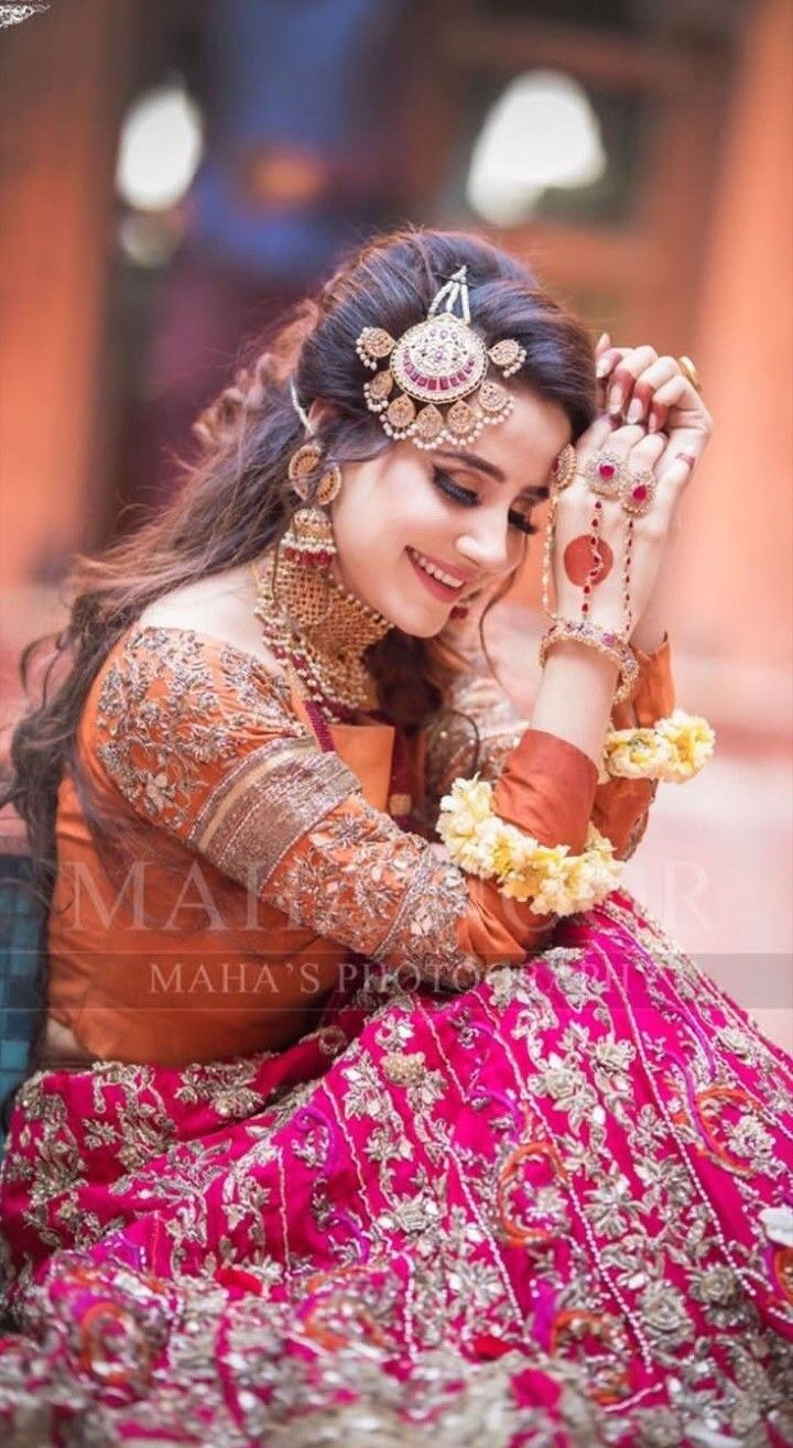 Indiantradition Bride Indianbride Indianwedding Photography Indianfashion I Bridal Photoshoot Pakistani Bridal Makeup Pakistani Bridal Makeup Hairstyles
