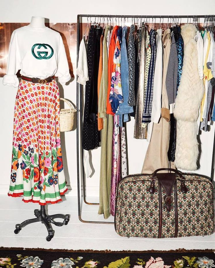 23 Of The Hippest Places To Buy Vintage Fashion Online Buy Fashion Hippest Online Vintage Clothing Stores Aesthetic Clothing Stores Vintage Clothes Shop