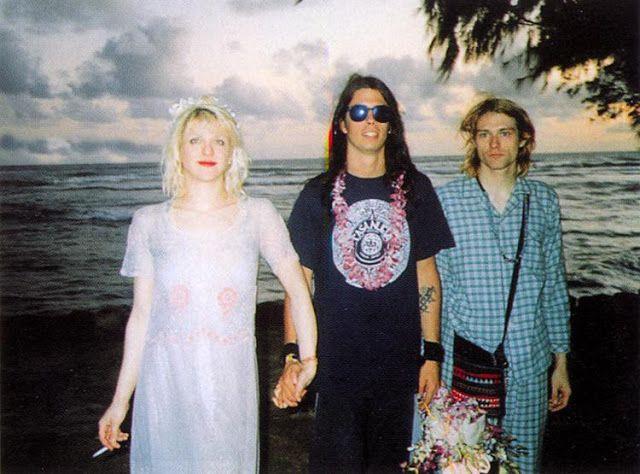 カート・コバーンとコートニー・ラヴが92年にハワイで行った結婚式の写真をサイトVintage Everydayが特集紹介 - amass