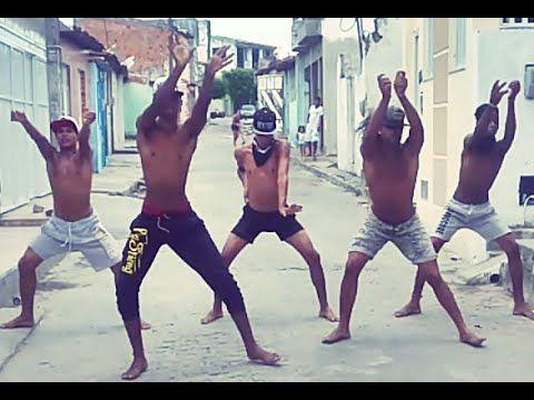 Vídeo feito em nosso bairro: Santos Dumont Conjunto Almirante tamandaré. PÁGINA DO GRUPO: https://www.facebook.com/Black-Swiingueira-BKS-230224007312782/?ref...