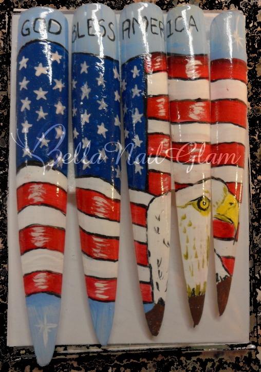 Galería de imágenes #NailArt #NailTips #Hispano En conmemoración del Dia de Independencia #USA by @BellaNailGlam en Arte & Nails Club