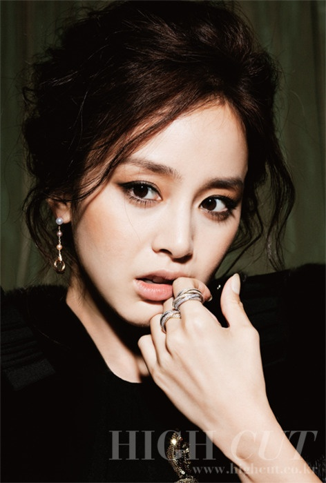 Kim Tae Hee is a South Korean Actress and Model. Hit Korean Dramas include Stairway to Heaven, IRIS, and My Princess.    Years Active: 2001–Present.  DOB: March 29, 1980.