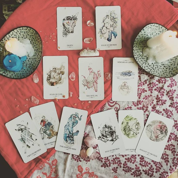 Currently obsessed with the beautiful Linestrider Tarot!