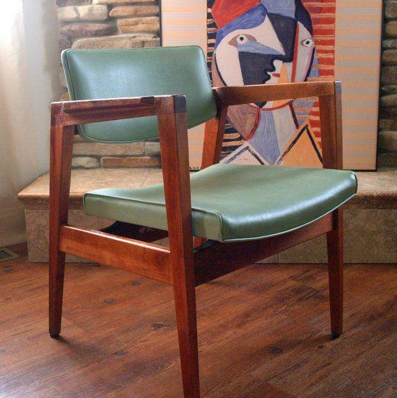 S vintage gorgeous walnut chair mid century modern