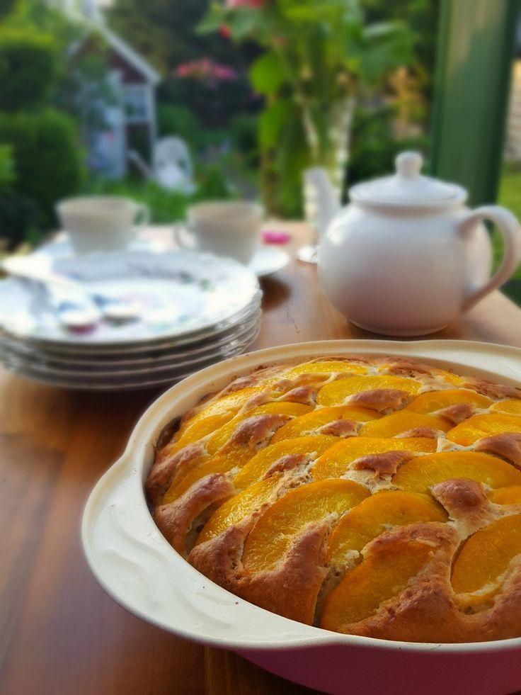 Une base de gâteau tout simple et très bon, déclinable à l'infini avec des fruits, des pépites de chocolat... Sans beurre, sans lait ni crème, et sans oeuf !