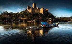 Обои Португалия Замки Реки Лодки Almourol Castle Города