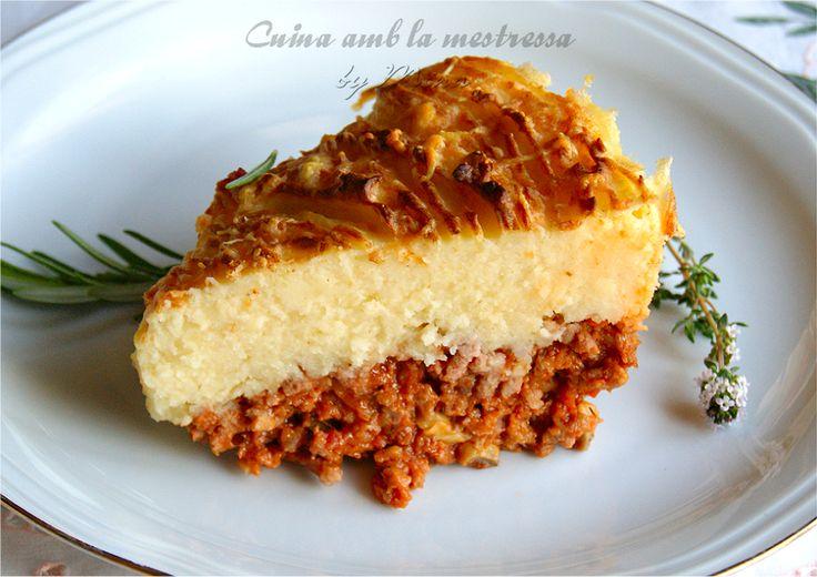 Cuina amb la mestressa: Cottage Pie o pastel de carne inglés  http://cuinaamblamestressa.blogspot.com.es/2014/05/cottage-pie-o-pastel-de-carne-ingles.html