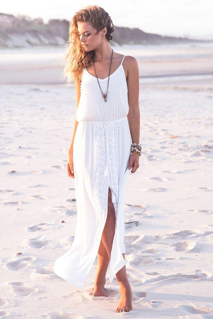 Me encanta este vestido blanco✌️