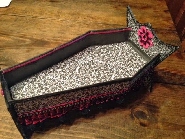 COFFIN BED     For monster high dolls or any kind if 10-12 inch fashion doll.  I also ma...