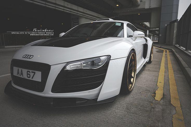 #Audi #R8 #AudiR8 #black #white #bianca #nera #colors #sport #car #luxury #motors