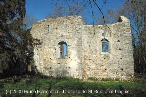 Ancienne église St-André, à Saint-André-des-Eaux.