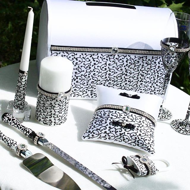 Wedding SET Black and white 💍Handmade 💕😊 You may add A PERSONALIZED DECOR & WRITE your names or the wedding date, as you wish 😉 Buy & More - link in bio 😘 #wedding #weddingtime #weddingdetails #weddingday #weddingstyle #weddingdresses #weddingideas #weddingdecor #weddingfashion #weddingceremony #weddingblog #weddingvibes #weddingprep #weddingseason #weddingplanners #weddingdream #weddingcard #weddingcards #punjabi #punjabibride #punjabis #punjabiwedding #punjabicouple #punjabiweddings