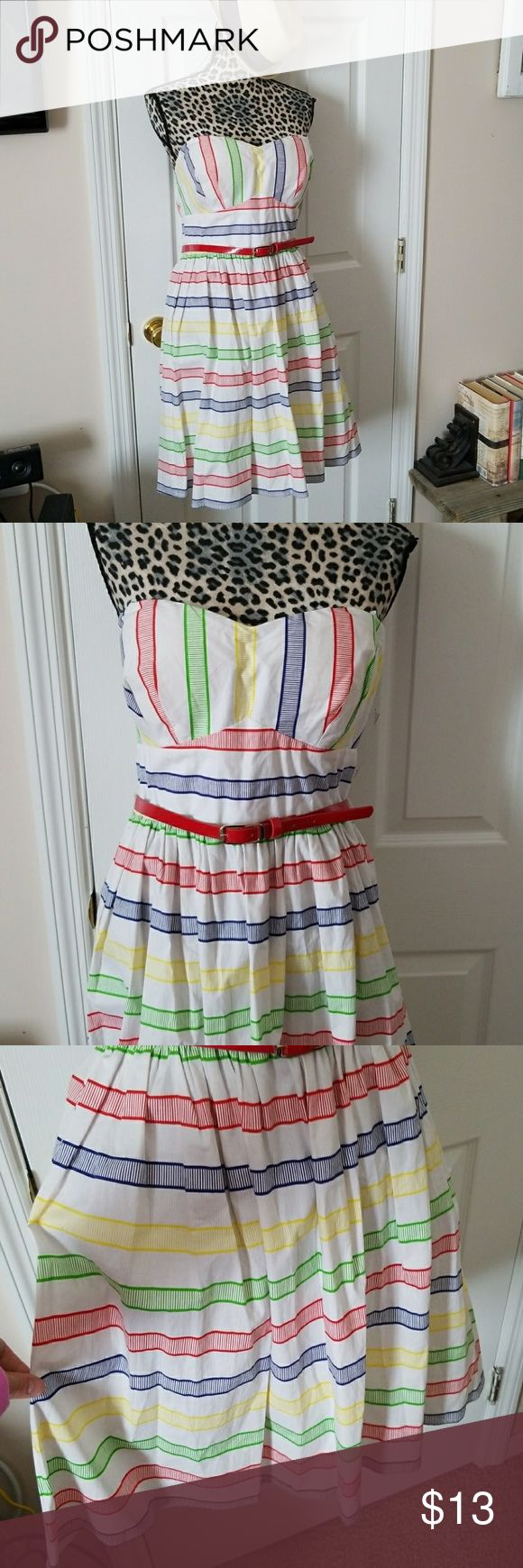"""BNWT! GORGEOUS """"B. SMART"""" STRIPED STRAPPLESS DRESS BNWT! GORGEOUS """"B. SMART"""" STRIPED STRAPPLESS DRESS!! The colors are so pretty!!! BRAND NEW NEVER WORN! A little big fornthe mannequin it's a size 14. Yellow, blue, green and red stripes! PERFECT for summer! B. Smart Dresses"""