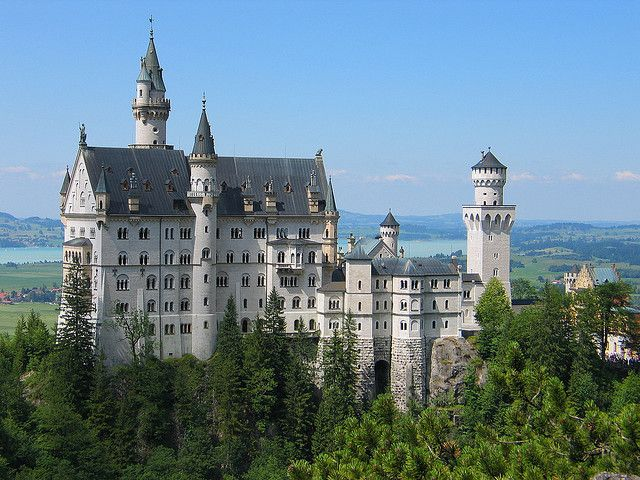 Il Castello di Neuschwanstein   http://www.viaggideimesupi.com/2015/05/05/castello-di-neuschwanstein/