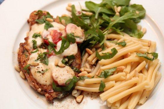 Gratinert kylling med tomat og mozzarella