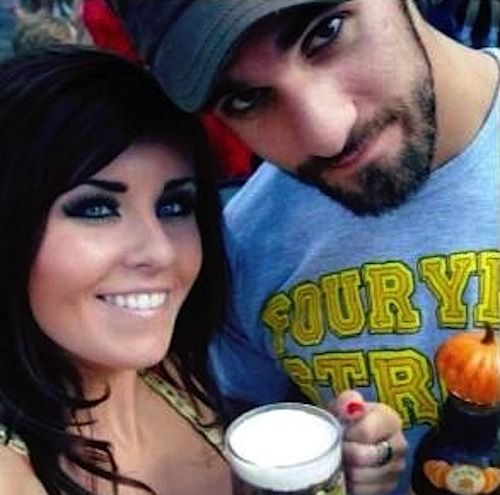 Seth Rollins & his girlfriend Leighla Schultz. They're too pretty.