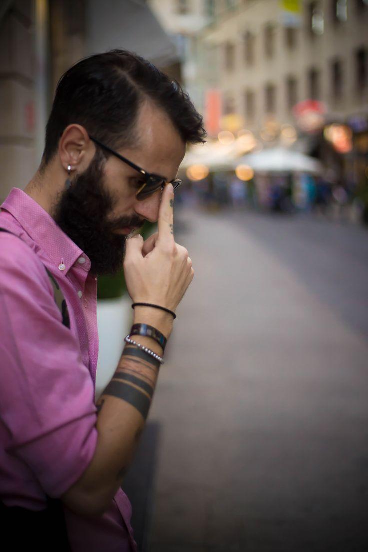 http://www.theblackbeard.it/indossare-i-tuoi-momenti-speciali-adesso-puoi-con-il-braccialetto-clyck/