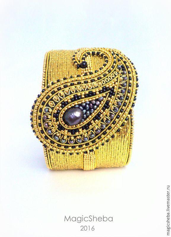 """Браслет """"Цветущий пейсли"""", вышитый золотом браслет - MagicSheba @magicsheba - Ярмарка Мастеров http://www.livemaster.ru/item/15923185-ukrasheniya-braslet-tsvetuschij-pejsli"""