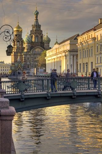 St Petersburg, Russia - I am not trying to be insensitive by pinning this. It's just so beautiful!