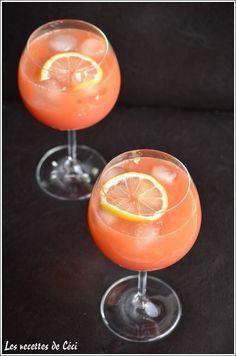 Cocktail exotique sans alcool.