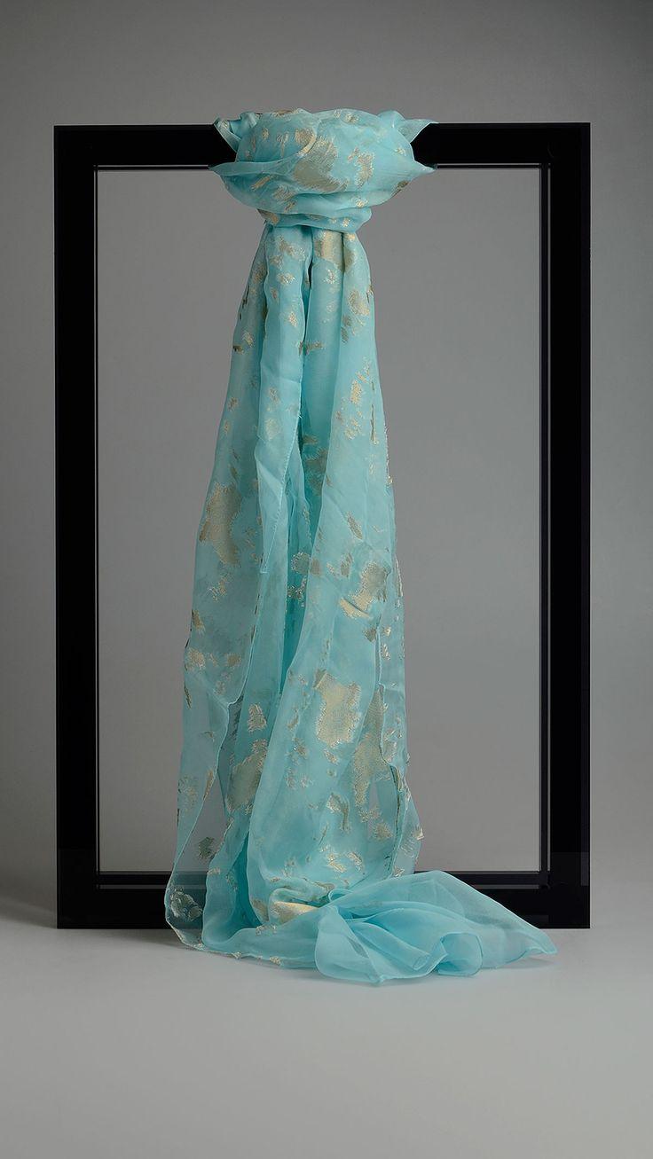 Cornici Contrast embroideries scarf, 78 x 27,3 inch - 200 x 70cm.80% silk, 20% lurex.