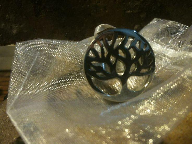 anillo árbol de la vida en plata calada de 950. Natalia Cruz Abarca