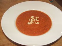 Tomato and lentil soup with cashews