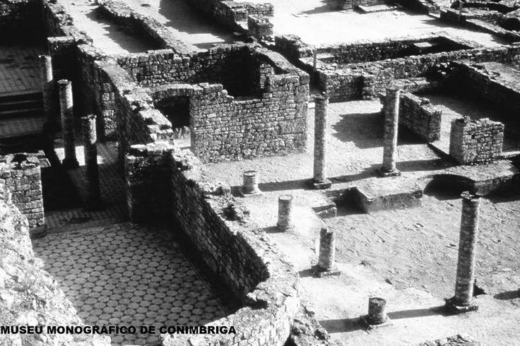 Sabia que Conimbriga foi ocupada na idade do bronze, do ferro e na época visigótica, para além, claro está, da época romana.