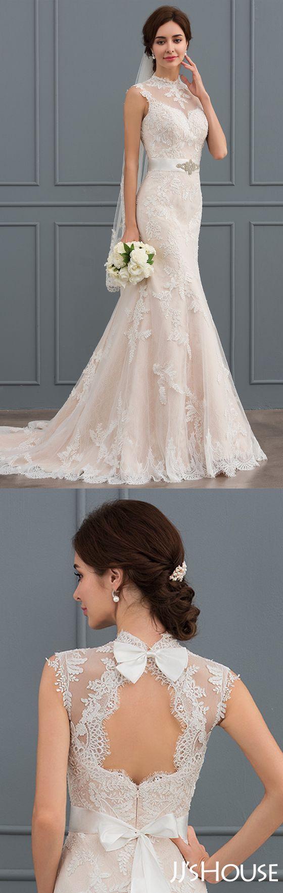 Such an amazing high-neck mermaid wedding dress! #JJsHouse #Wedding