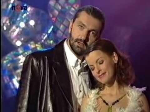 *-* - Iveta Bartošová - Vím, že jsi se mnou ■ Písnička z muzikalu Drákula kterou Iveta zazpívala v pořadu Deniček Ivety B. v roce 2000 na Tv Nova...Krása !!!
