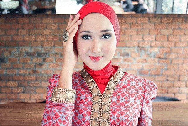 Tutorial Hijab Formal ala Dian Pelangi - Dian Pelangi