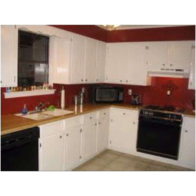 Redo, Kitchens Ideas, Red Kitchens, Black Appliances, White Cabinets