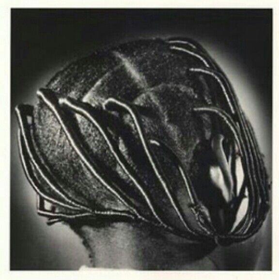 Threaded Nigerian hair style | Photo by J. D. 'Okhai Ojeikere