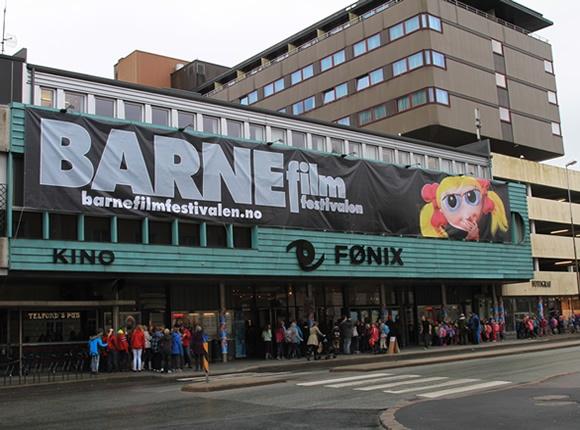 http://www.markedsmateriell.no/produkter/banner-reklameseil-og-fasadeseil    Alle typer bannere til innendørs eller utendørsbruk. banner, reklameseil og fasadeseil, reklamebanner, fasadebanner, tekstilbanner, reklameseil.
