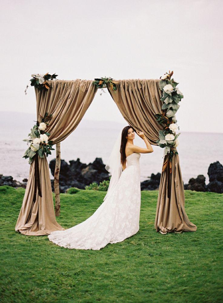 Gorgeous Wedding Arches   Hawaii & California Wedding Ideas